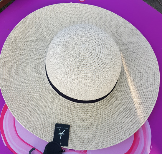 order online c3fea ab6a0 bezuslovni beli bucket hat - gistsville.com af8fe53cdce4