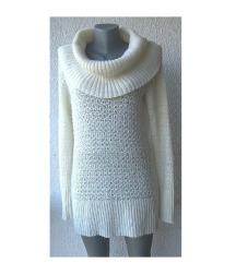 džemper bež duži sa rolkom broj M APT9