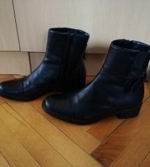 Nove La scarpa kožne čizme 37
