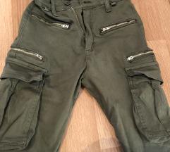 Pantalone dzeparke moderne