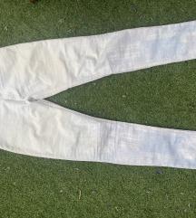 Pantalone sa printom grada