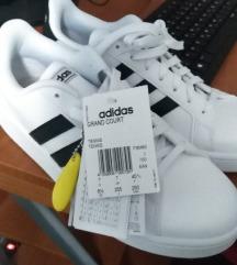 Adidas patike danas kupljene ima racun br 40