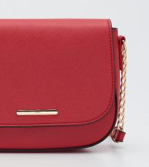 Crvena moderna torba sa etiketom