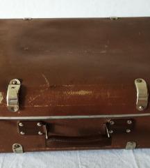 Starinski kofer Dimenzije 55x35x17 cm
