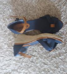 Sandale sa plutom