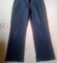Klasicne crne pantalone