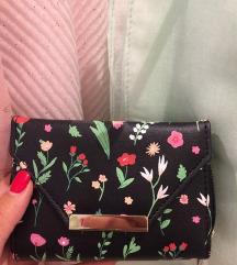 Novi novčanik sa cvetnim printom