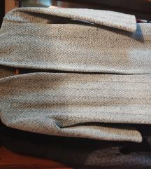 Sivi prelepi kaput