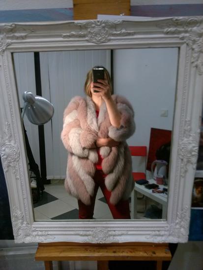 Dvobojna sivo roze bunda od lisice