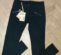 Nove crne helan pantalone 7