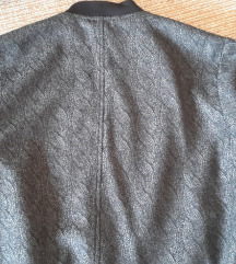 Armani prolecna jaknica.