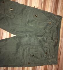 maslinaste pantalone  SAMO 700