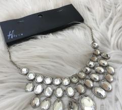 Novo sa etiketom/ H&M ogrlica