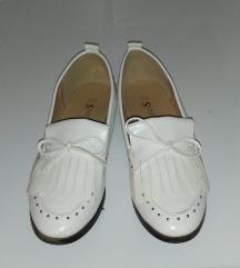 Nove cipele, 38