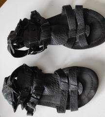 RASPRODAJA Kozne sandale