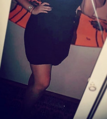 Pufnasta crna suknja