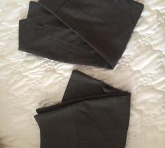 Suknja i 3/4 pantalone, Pronto