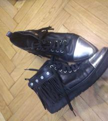 L'estrosa cipele sa resama