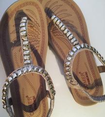 Sandale NOVEE 39  snizeno 900