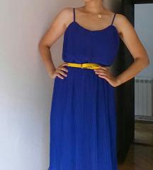Prelepa plisirana kraljevsko plava haljina