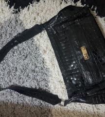 Crna lakovana torba