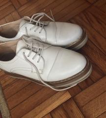 JEFTINE Krem bele jeftine cipele