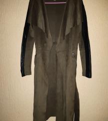 Amisu mantil na vezivanje