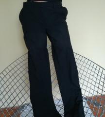 H&M crne pantalone