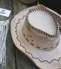 Bela Makrame ogrlica NOVA