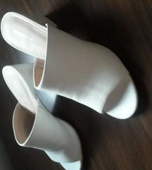 Papuca stikla