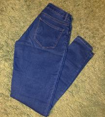 Zenske  pantalone Bershka
