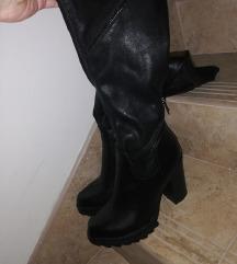 Duboke crne cizme stikla
