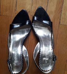 Crne lakovane sandale
