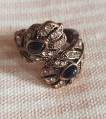 Masivan bakarni prsten sa poludragim kamenom