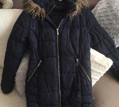 H&M jakna 34 prati liniju tela