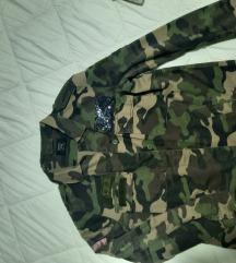 Bershka vojnička jakna