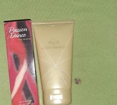 Passion dance parfem AVON i krema za telo NOVO