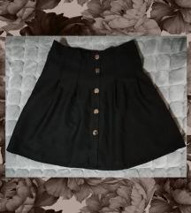 Crna suknja sa dugmicima