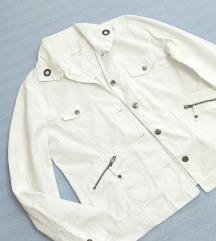 Bela jakna nova