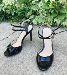 Crne sandale -Nove