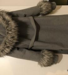 Prodajem sivi kaput