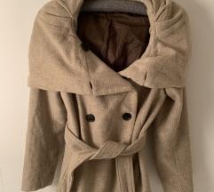 RASPRODAJA: Zara bež kaput