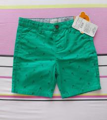 Nove ( etiketa) Waikiki kratke pantalone, 4-5 god