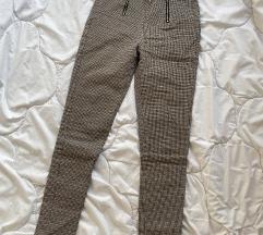 Cropp marka - pantalone karirane