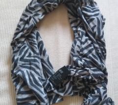 H&M esarpa sa zebra printom