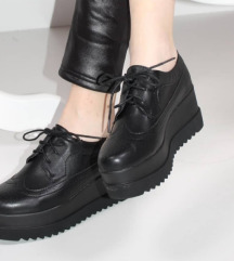 Nove oksford cipele