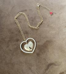 Guess zlatna ogrlica srce