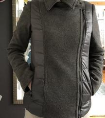 DEHA jakna u kombinaciji vune