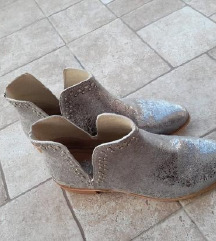 Kožne cizme 40