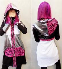 Srebrno-pink animal print hoodie haljina
